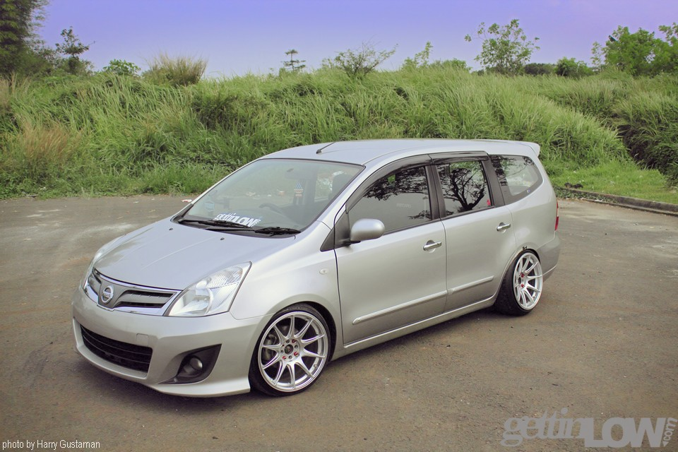 modifikasi-nissan-grand-livina-putih-simple