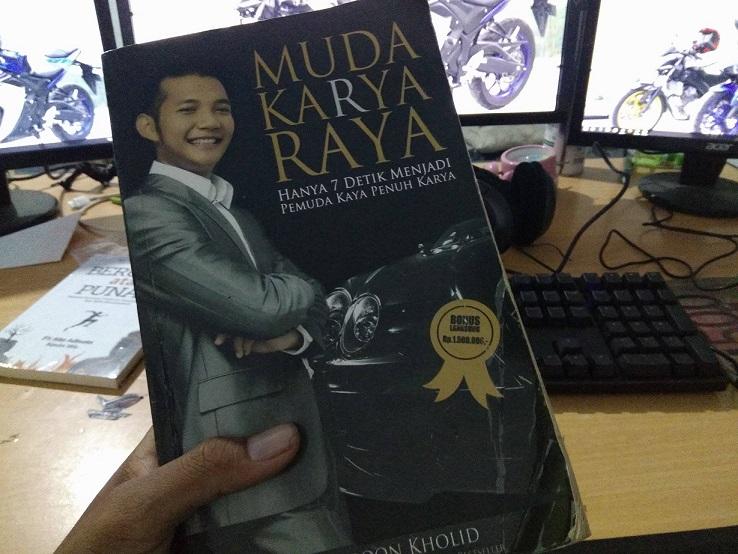Buku setia furqon Kholid muda karya raya